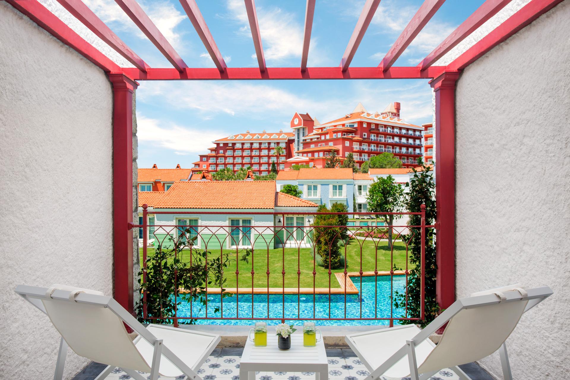 IC Santai   Star Swim Up Villa