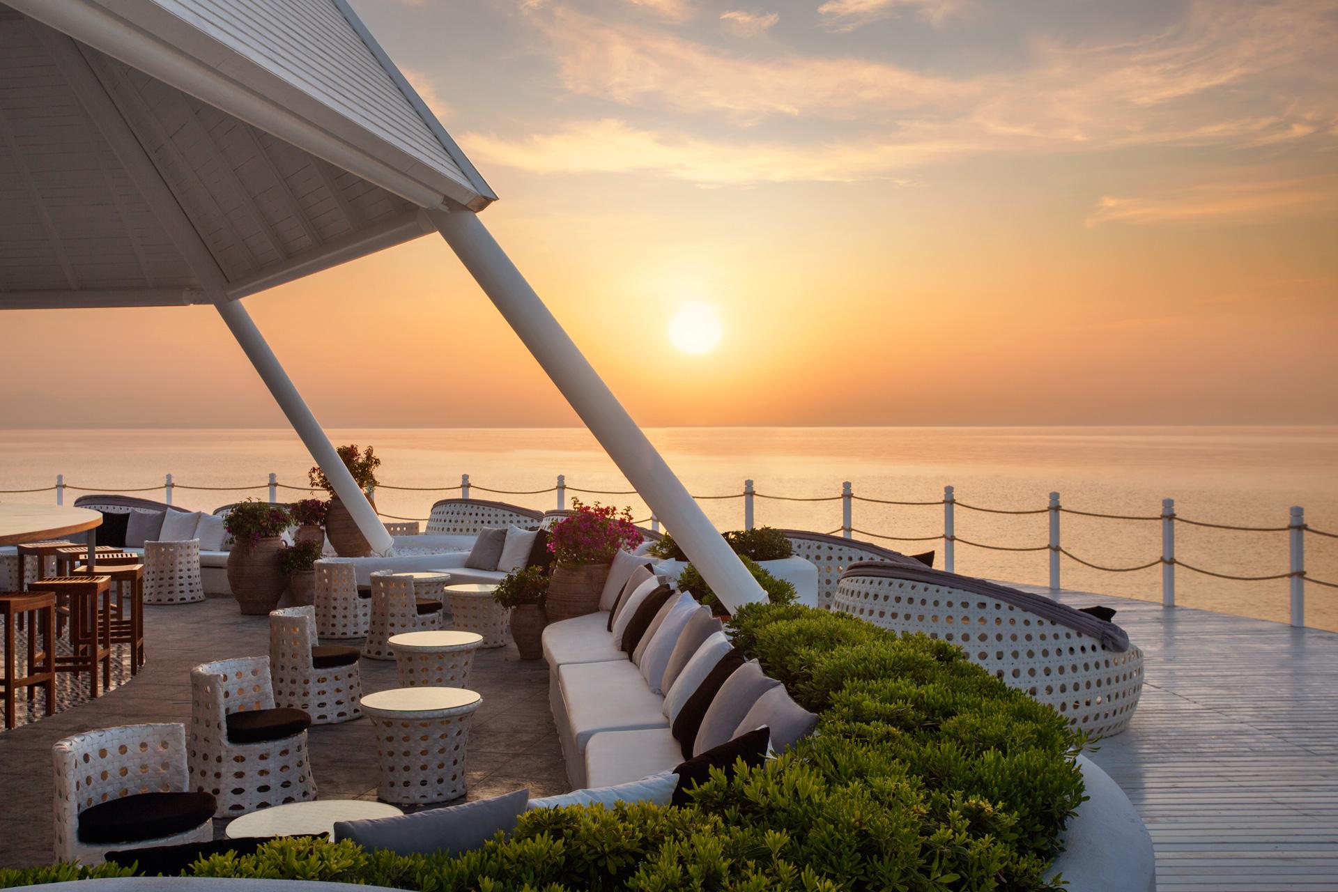 Renaissance Antalya Beach Resort   Sunset Lounge
