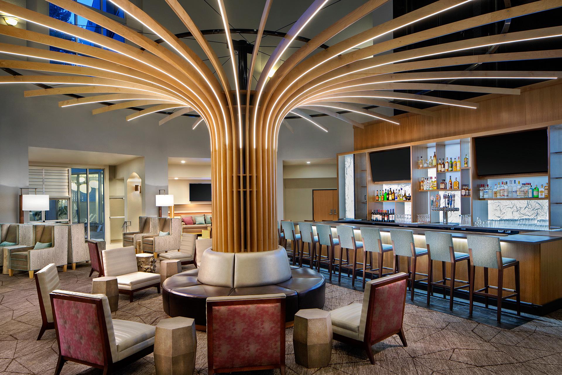 Crowne Plaza Lake Oswego Hotel